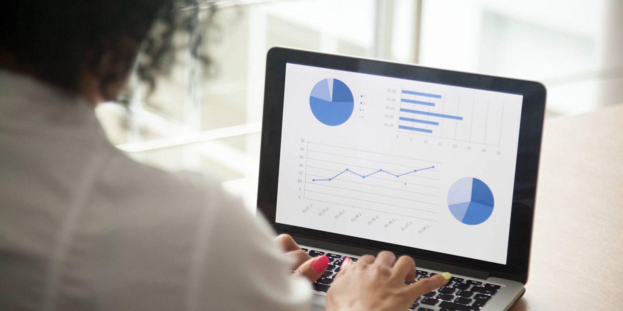 Monitor com gráficos - Paraná Banco
